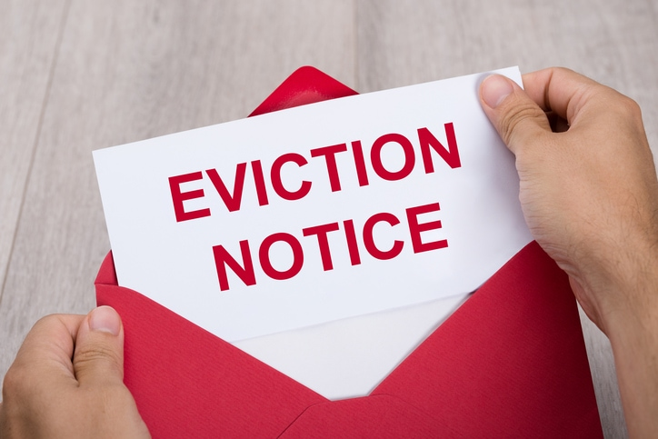 How to Serve Eviction Notice to a Tenant in Texas